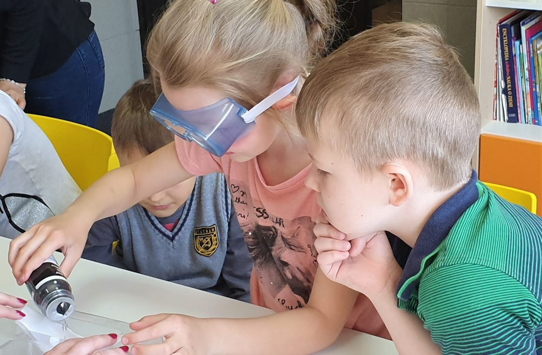 Szkoła Podstawowa Innowacyjnej Edukacji w Białymstoku zdobyła grant i będzie uczyć dzieci ekologii. Bo lekcje to nie tylko podręczniki